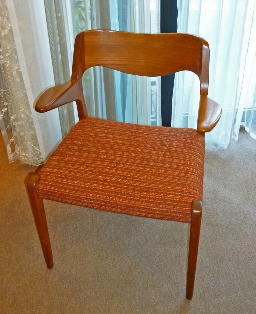 J.L.Moller椅子張替え後1
