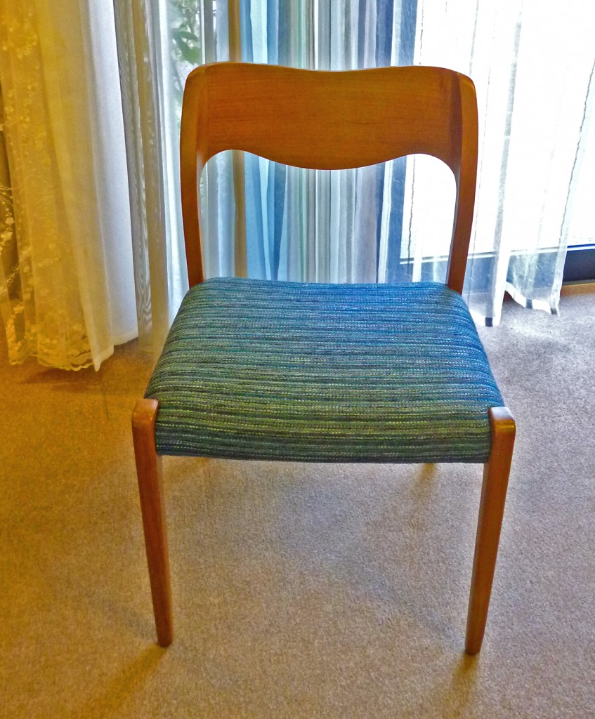 J.L.Moller椅子張替え後2
