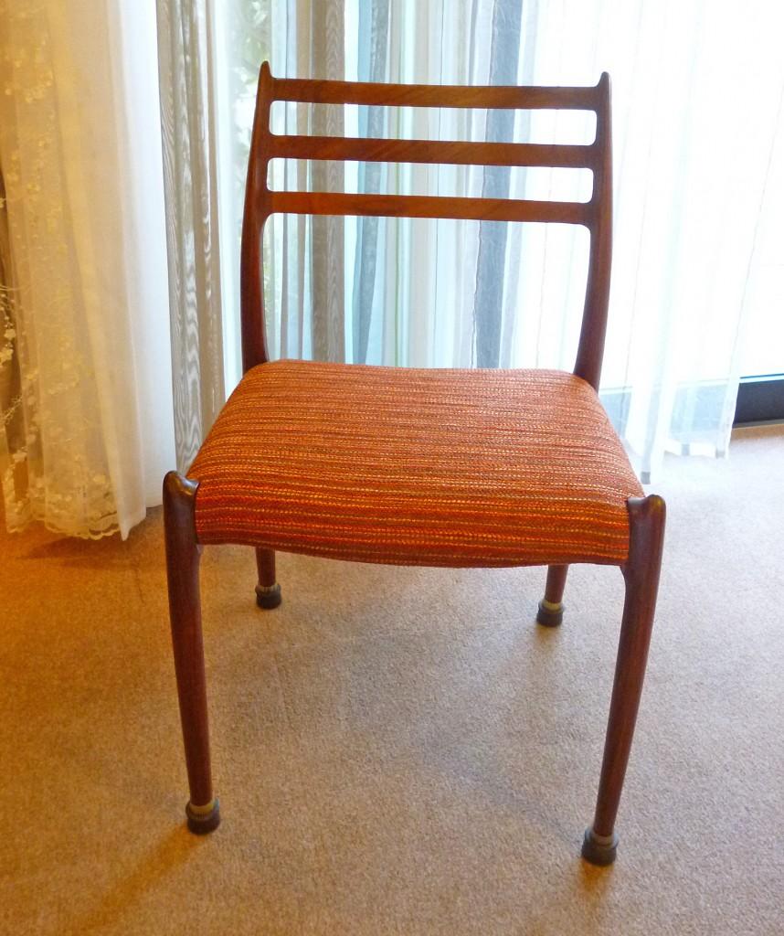 J.L.Moller椅子張替え後3