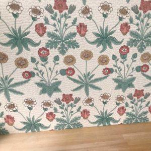 ウィリアム・モリスの壁紙デイジーの施工例