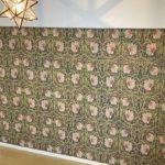 ウィリアム・モリスの壁紙ピンパネルの施工例